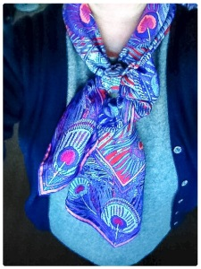 Hera scarf in a Half Bow Knot