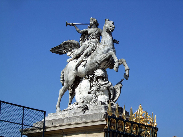 Tuileries Gate Statue by Paolo on Flickr
