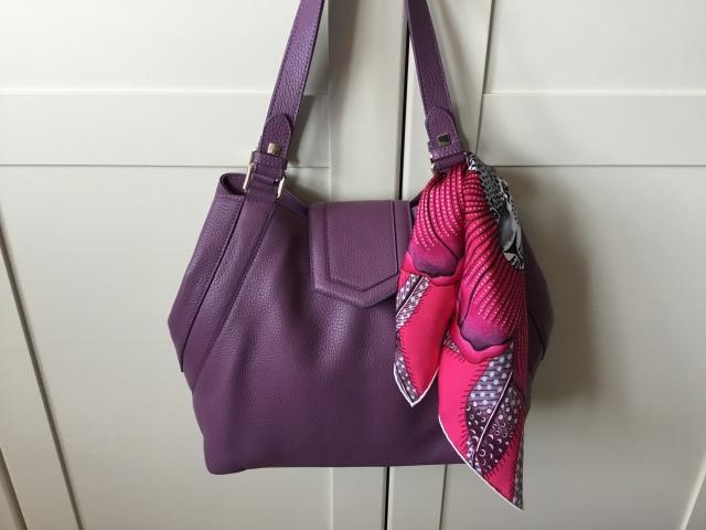 Victoria handbag in amethyst pebbled leather by Massaccesi with Hermès Baobab Cat gavroche