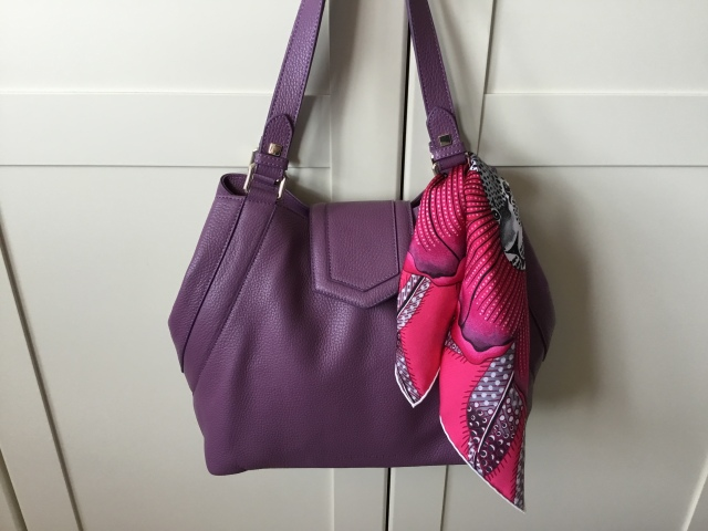 Victoria handbag in amethyst pebbled leather by Massaccesi with Hermès Baobab Cat gavroche