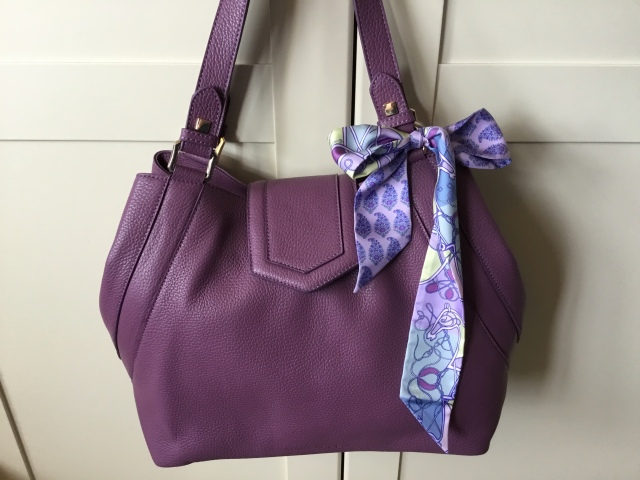 Victoria in amethyst pebbled leather by Massaccesi